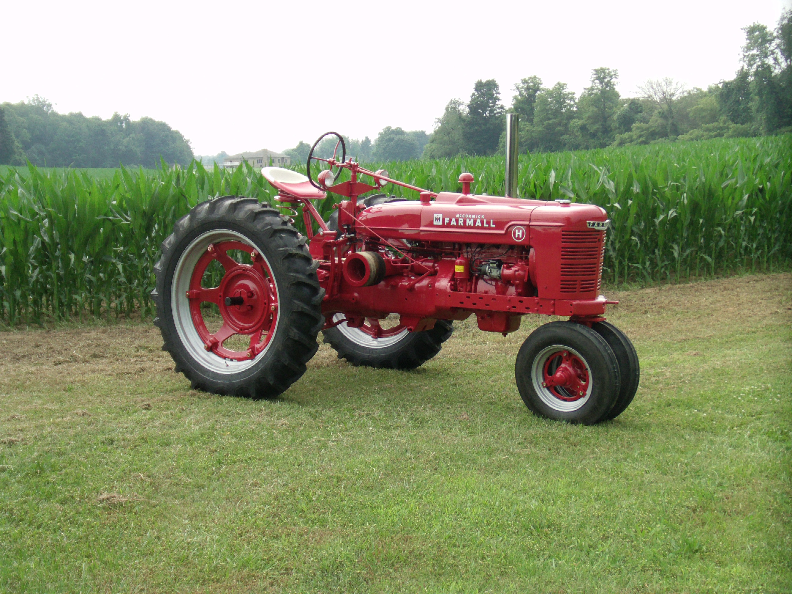 Antique Tractor Restoration of a Farmall H
