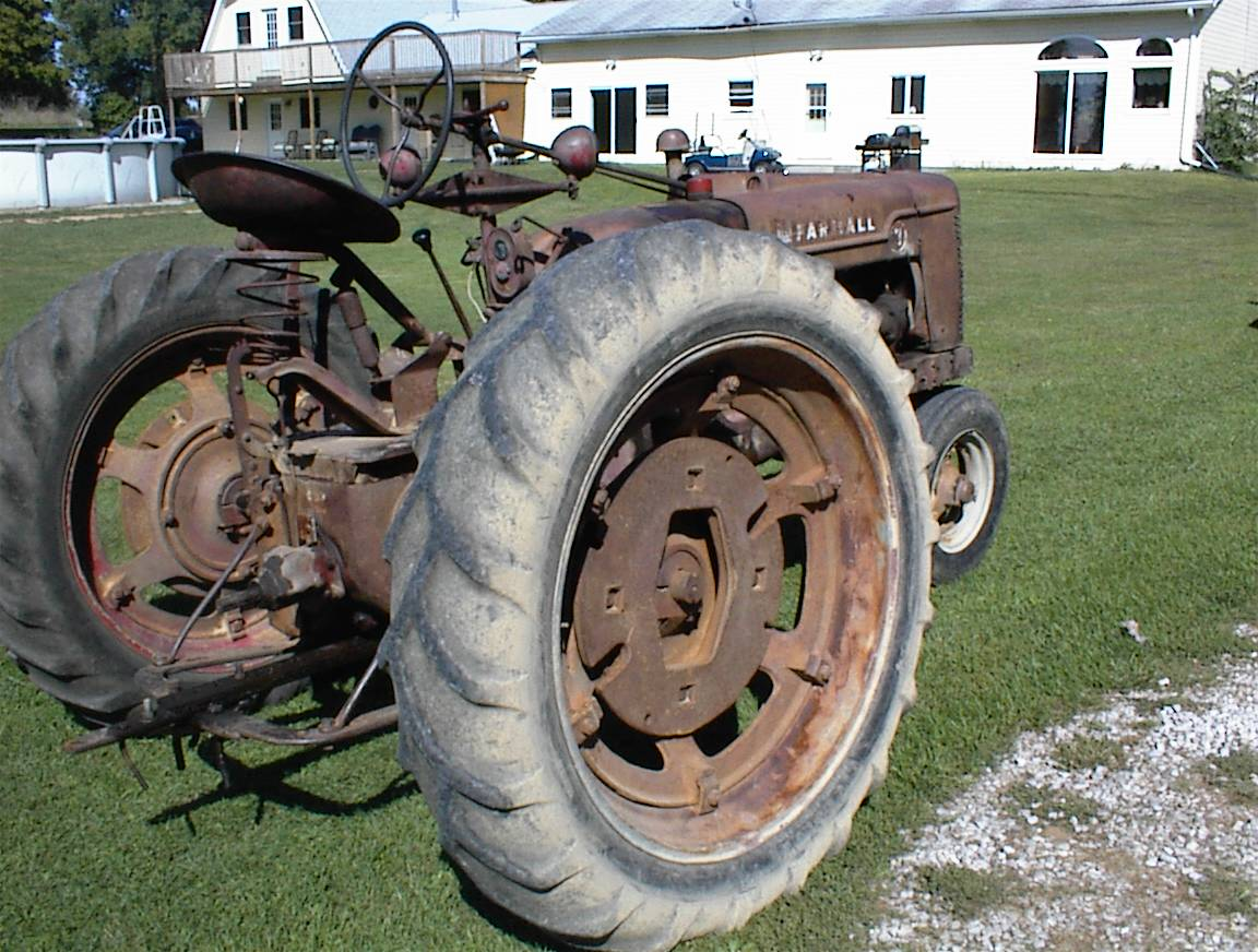 Another view of the same tractor.