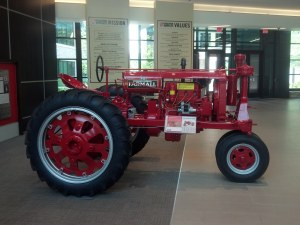 Antique Tractor Restoration of a Farmall F20